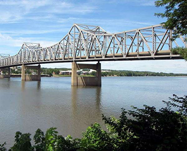 Murray Baker Bridge over Illinois River