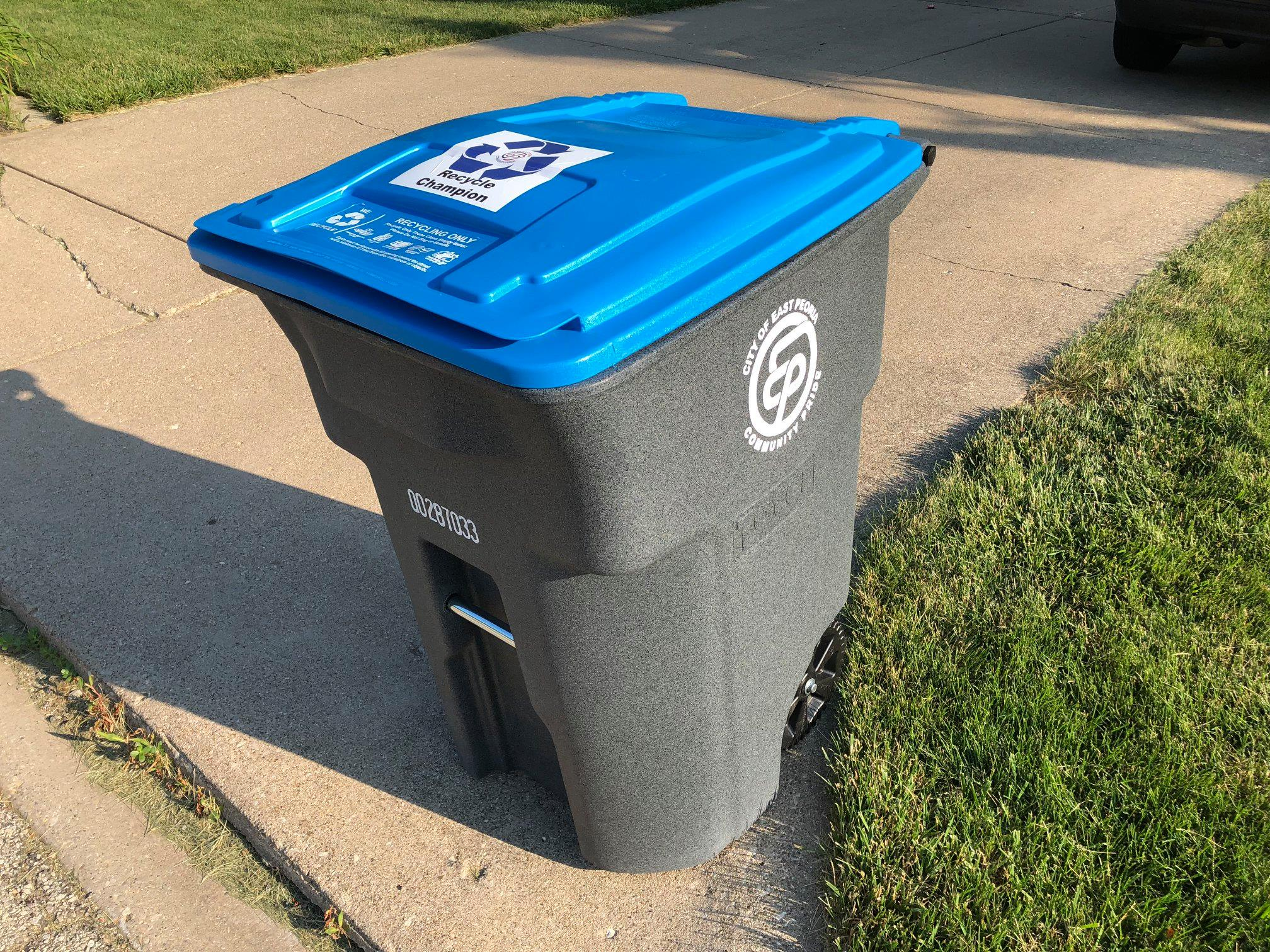 Blue lid wheeled recycling toter